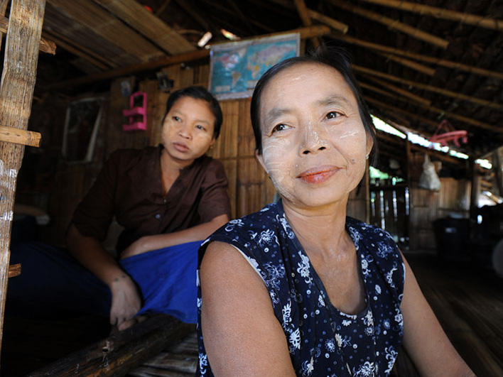 Women in Mae La Camp with thanaka on their faces
